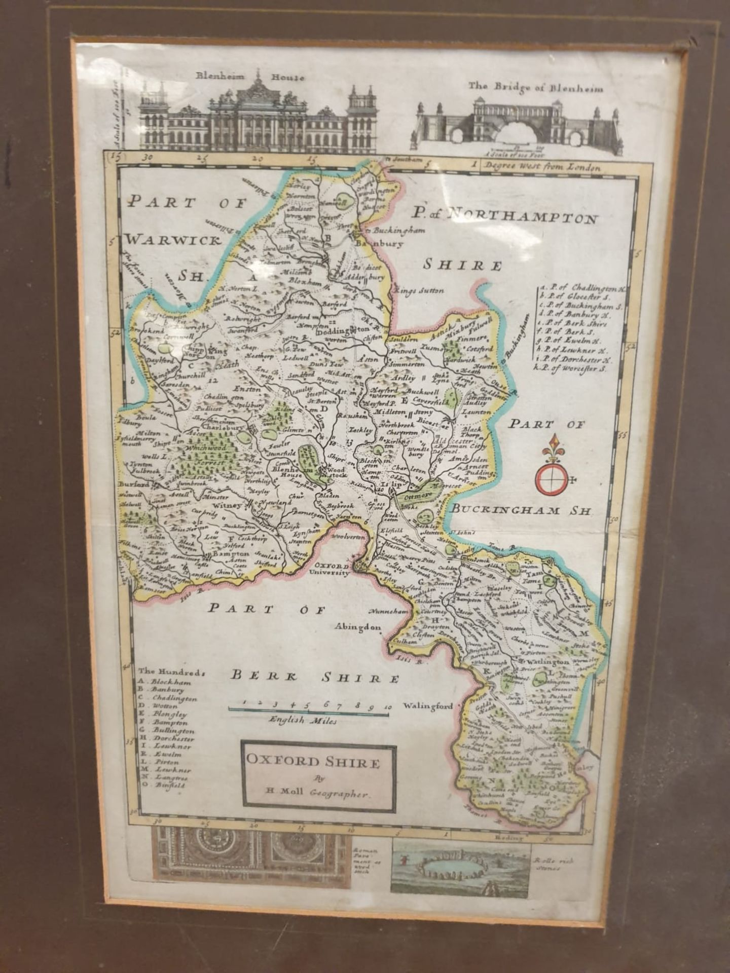 Antique Map of Oxfordshire Herman Moll unframed Detailed and highly decorative early 18th century