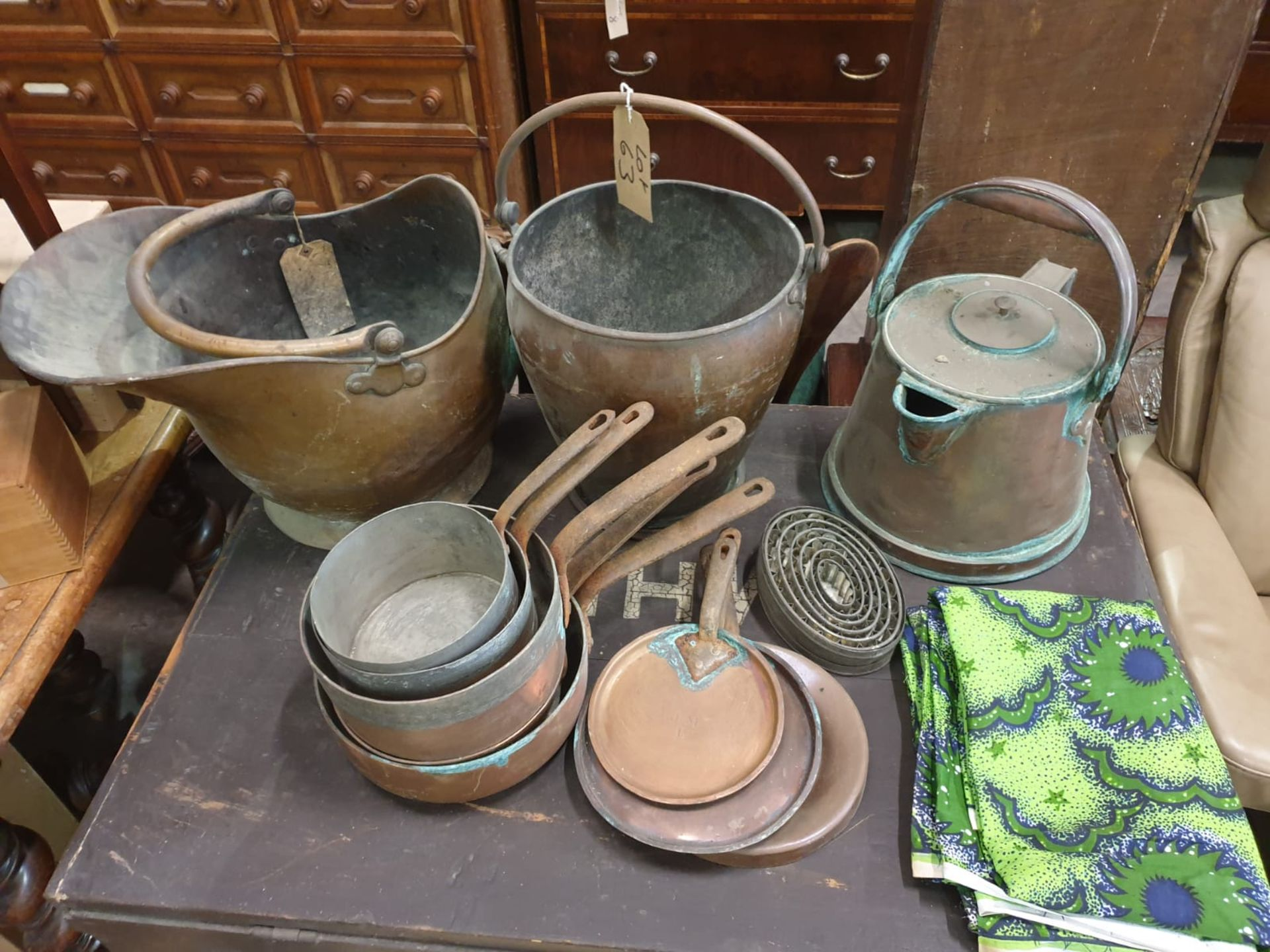 A large quantity of copperwear as found comprising bucket, pale, kettle, pans and skillets - Image 2 of 2