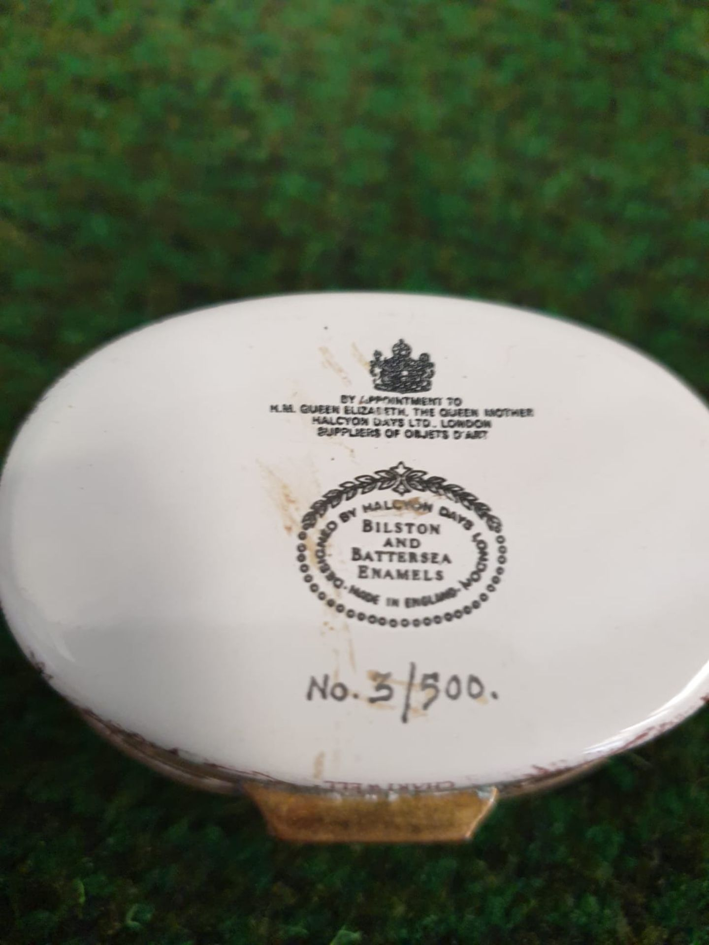 Halcyon Days Enamel Box Of oval form printed in sepia and black to commemorate Sir Winston - Image 3 of 4