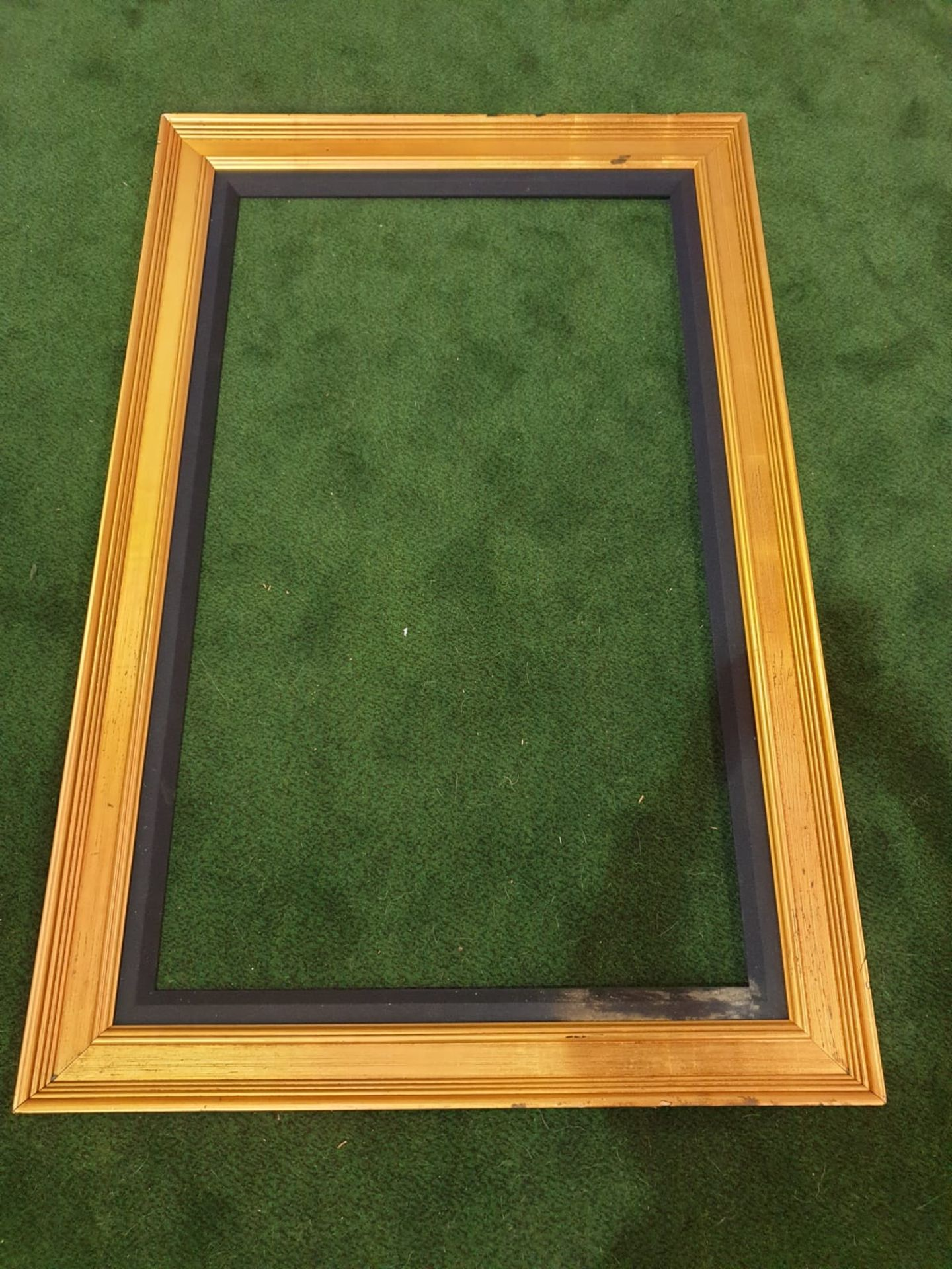 Gilt picture frame 97 x 150cm - Image 2 of 3