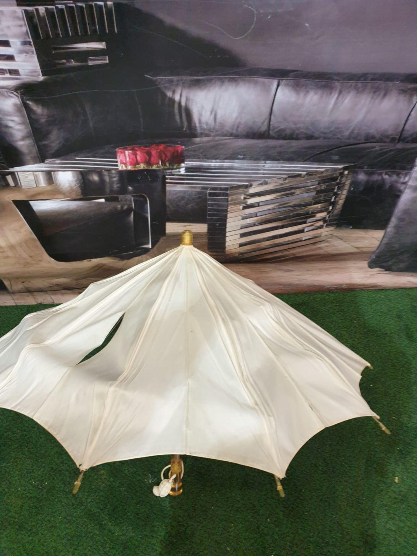 Ladies parasol Cream silk-like material - Yellow handle. Needs T.L.C. - Image 3 of 4