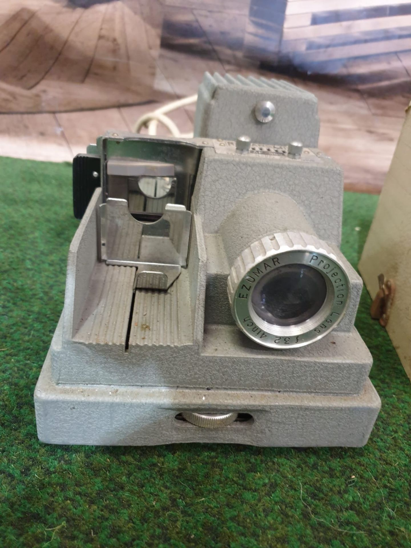 Samoca Camera AF-300 Projector Roman Slides Projector Screen 26 x 18 x 16cm Dates to 1955- 1956 - Image 3 of 4