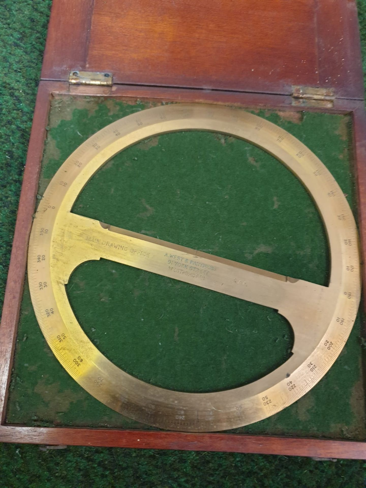 RAF Brass, 360 degree, circular Protractor with crossbar, a scientific drawing instrument in its - Image 3 of 4