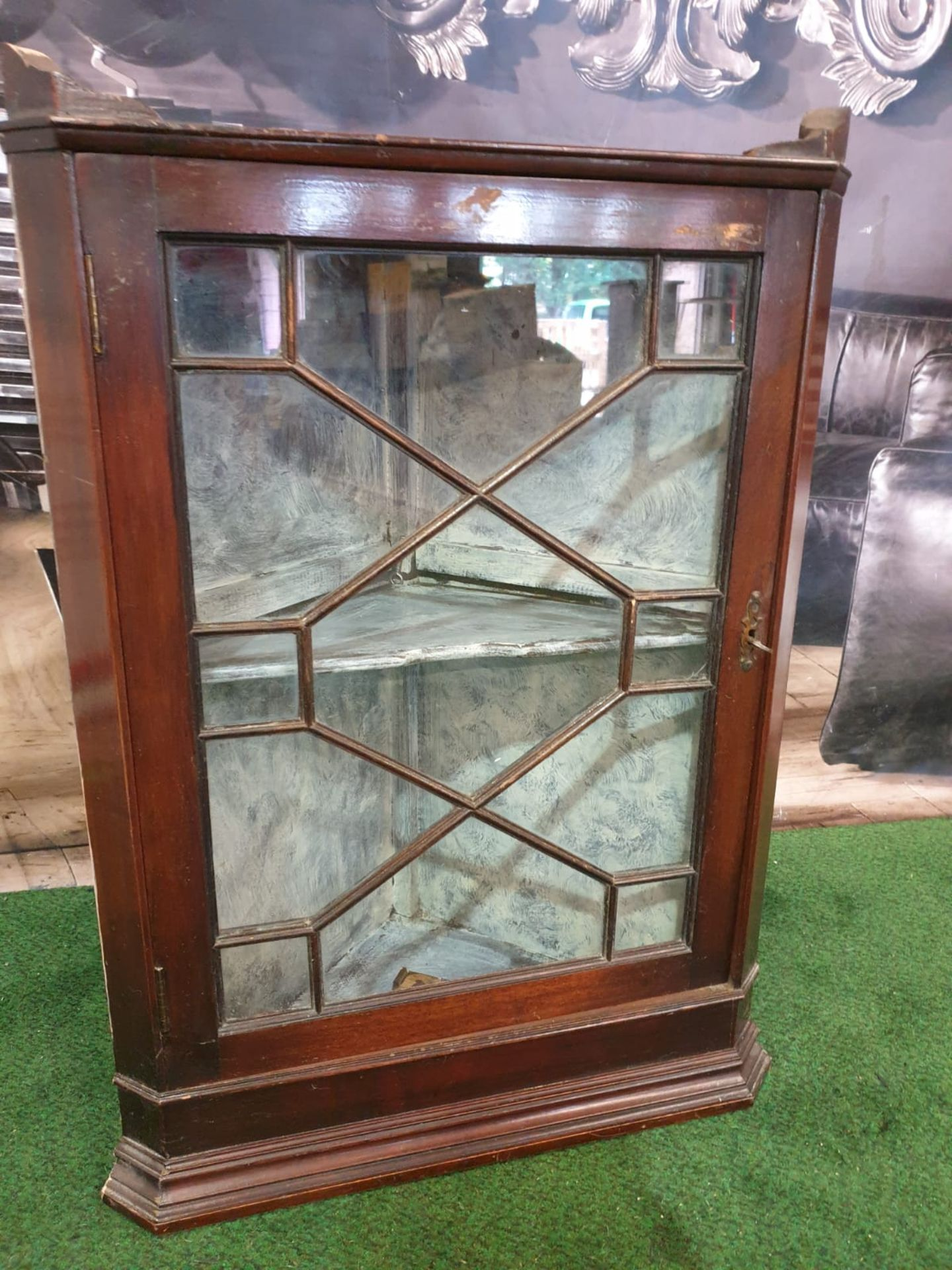 Mahogany glass corner cabinet top plinth a single glaszed door interior with two shelves 53 x 37 x - Image 2 of 3