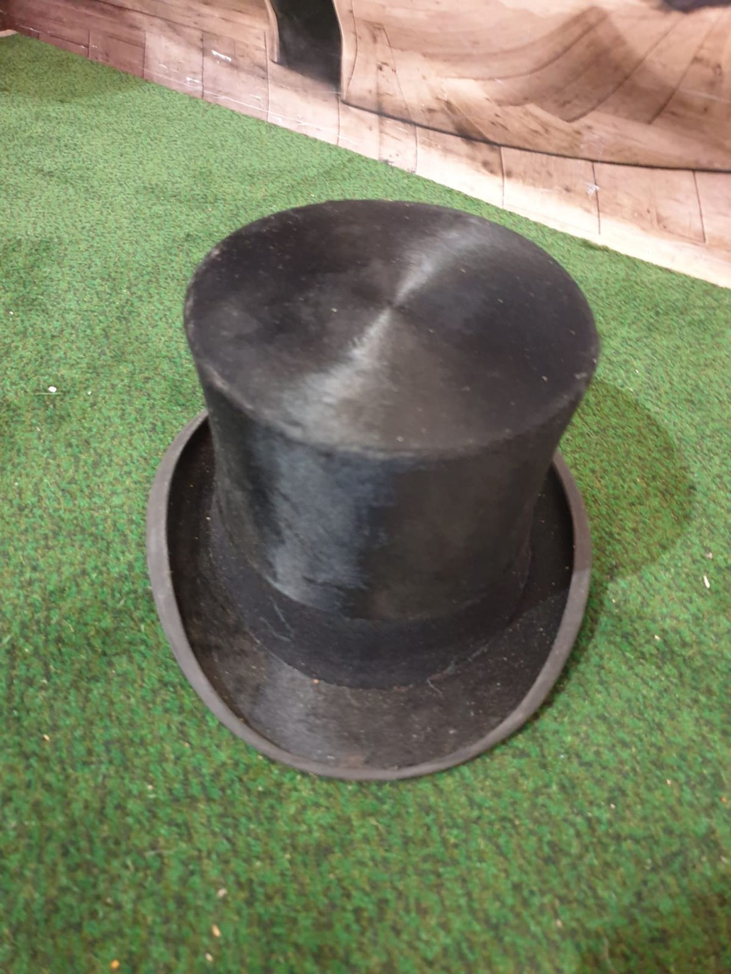 A James Lock + Co. Silk Black Top hat in a Waltar Barnhard card box