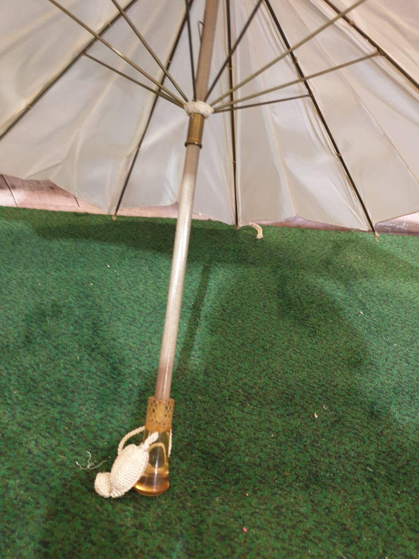 Ladies parasol Cream silk-like material - Yellow handle. Needs T.L.C. - Image 4 of 4