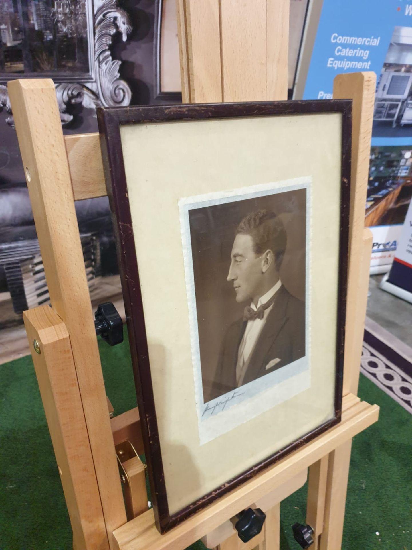 Aquatint print Portrait of well dressed gentleman 28 x 40cm - Image 3 of 4