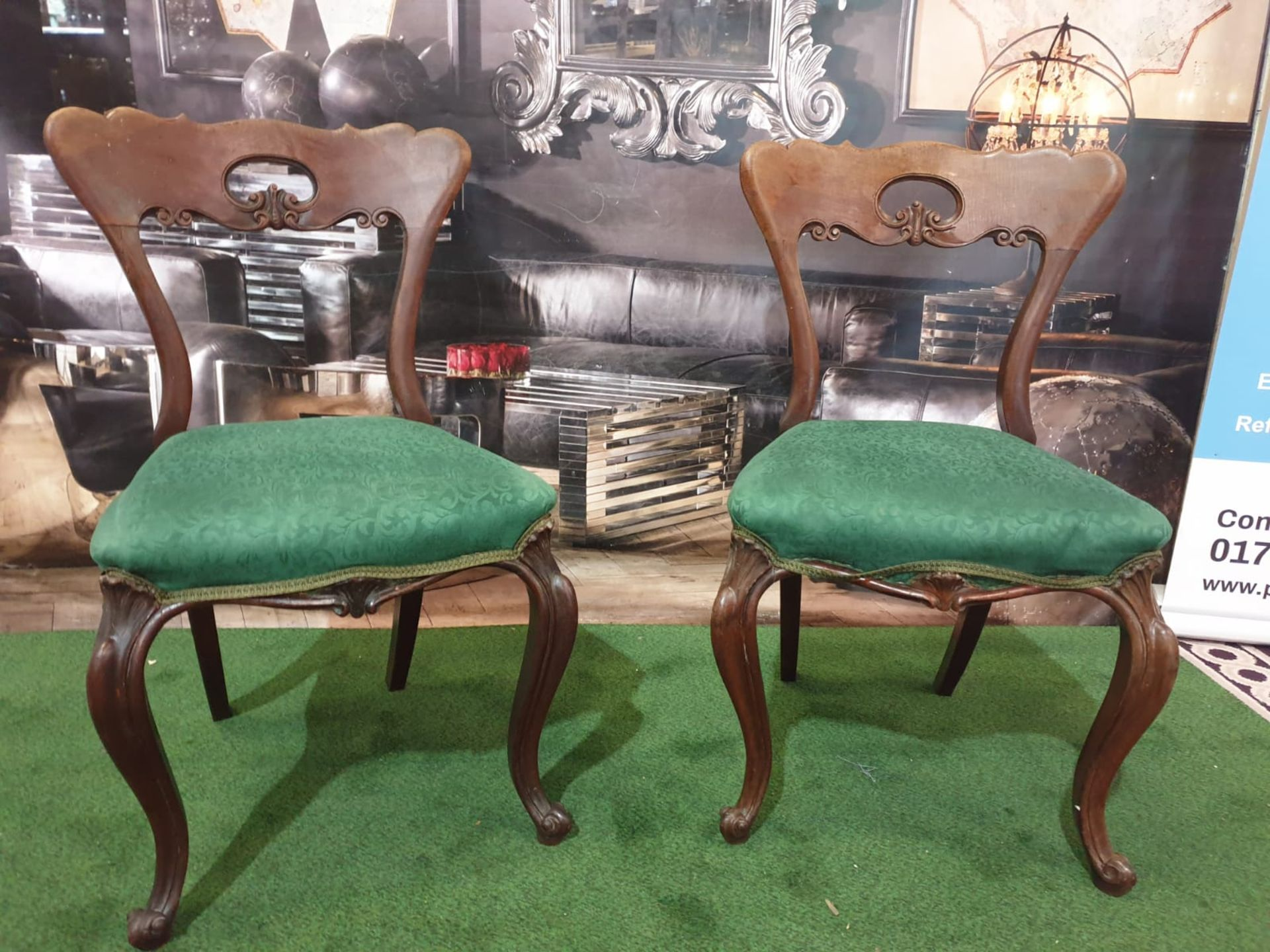 A pair of Victorian walnut chairs. The spoon shaped backs with moulded supports and a shaped and - Image 4 of 5