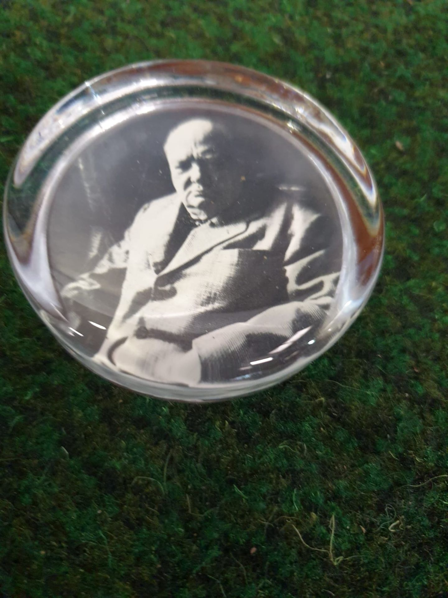 """Vintage Winston Churchill Glass Paperweight Measures approximately 2 3:4"""" Very nice vintage - Image 2 of 3"""