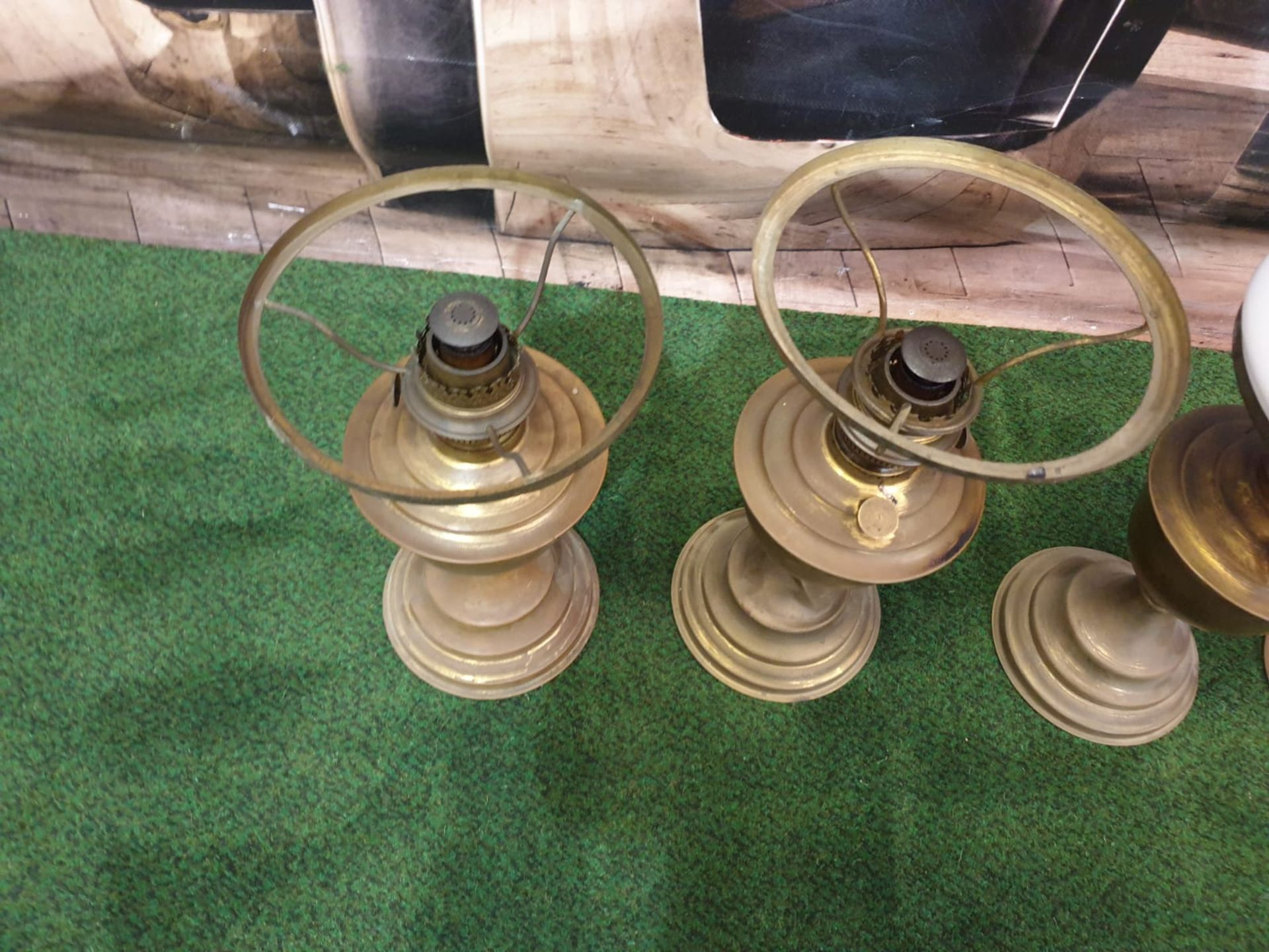 5 x Brass oil lamp with opaque white glass shade, late Victorian.c. Circa 1890. These oil lamp looks - Image 3 of 6