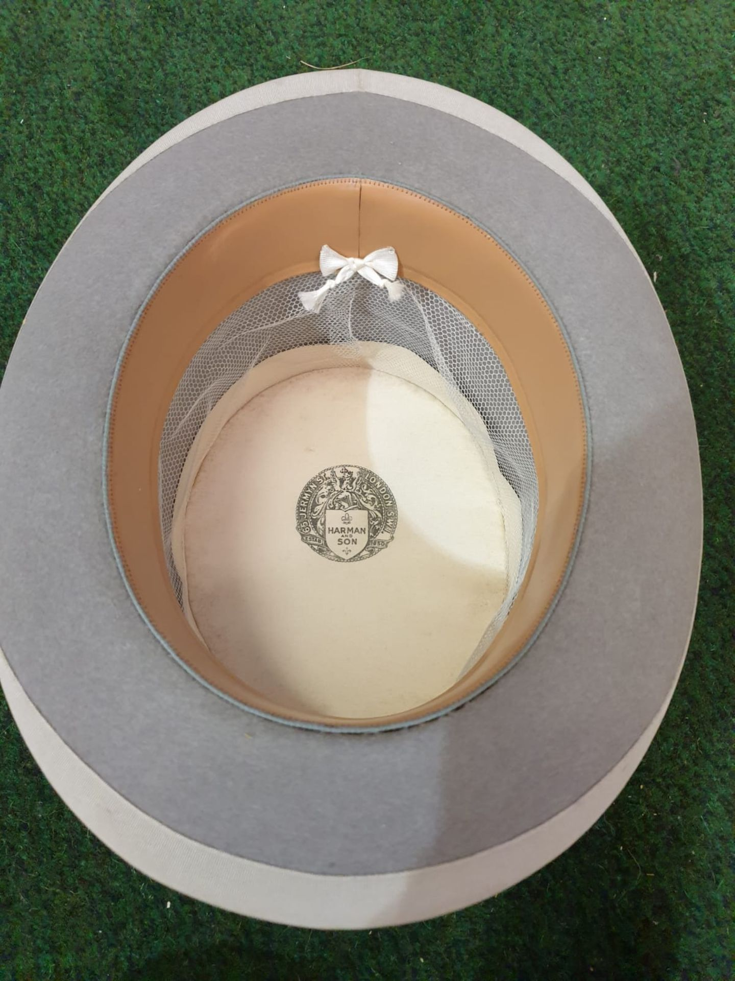 A Hillhouse and Co. of 11 New Bond Street, London, grey top hat in original hat box - Image 3 of 4
