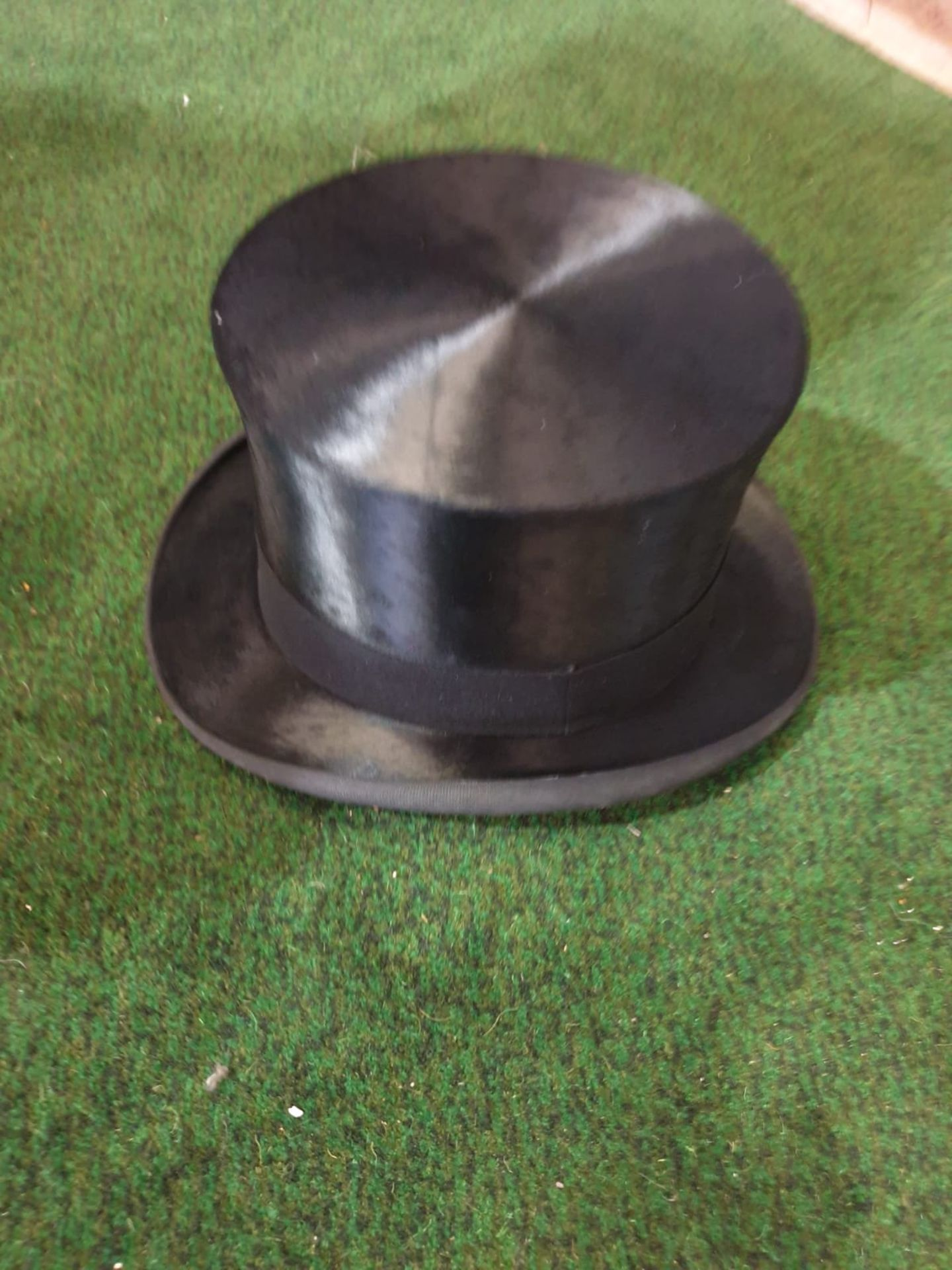 Lincoln Bennett & Co Hunters black silk Top hat in Leather case