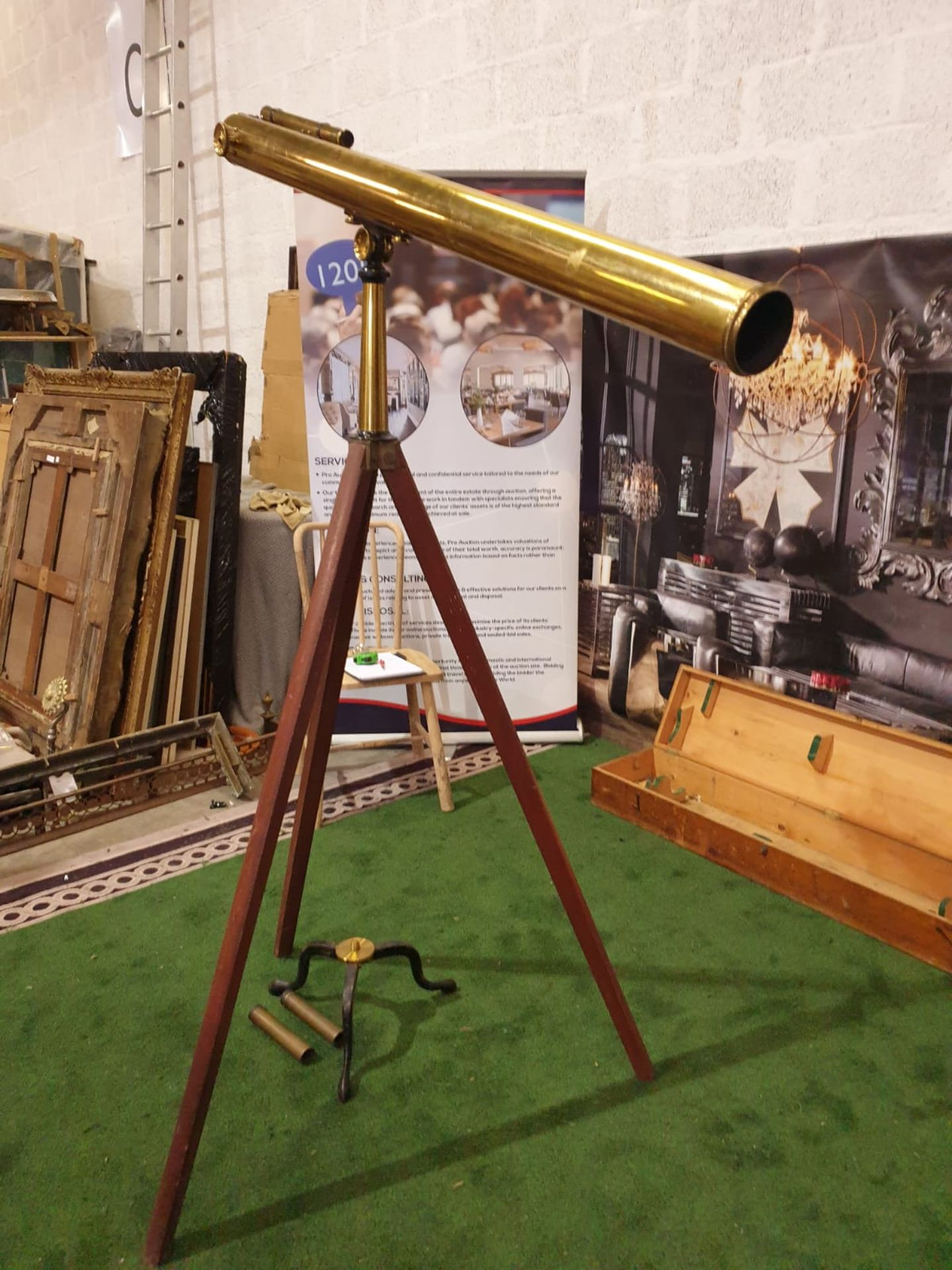 Lacquered brass and lens glass refractive single draw library telescope with star finder attachment, - Image 2 of 6