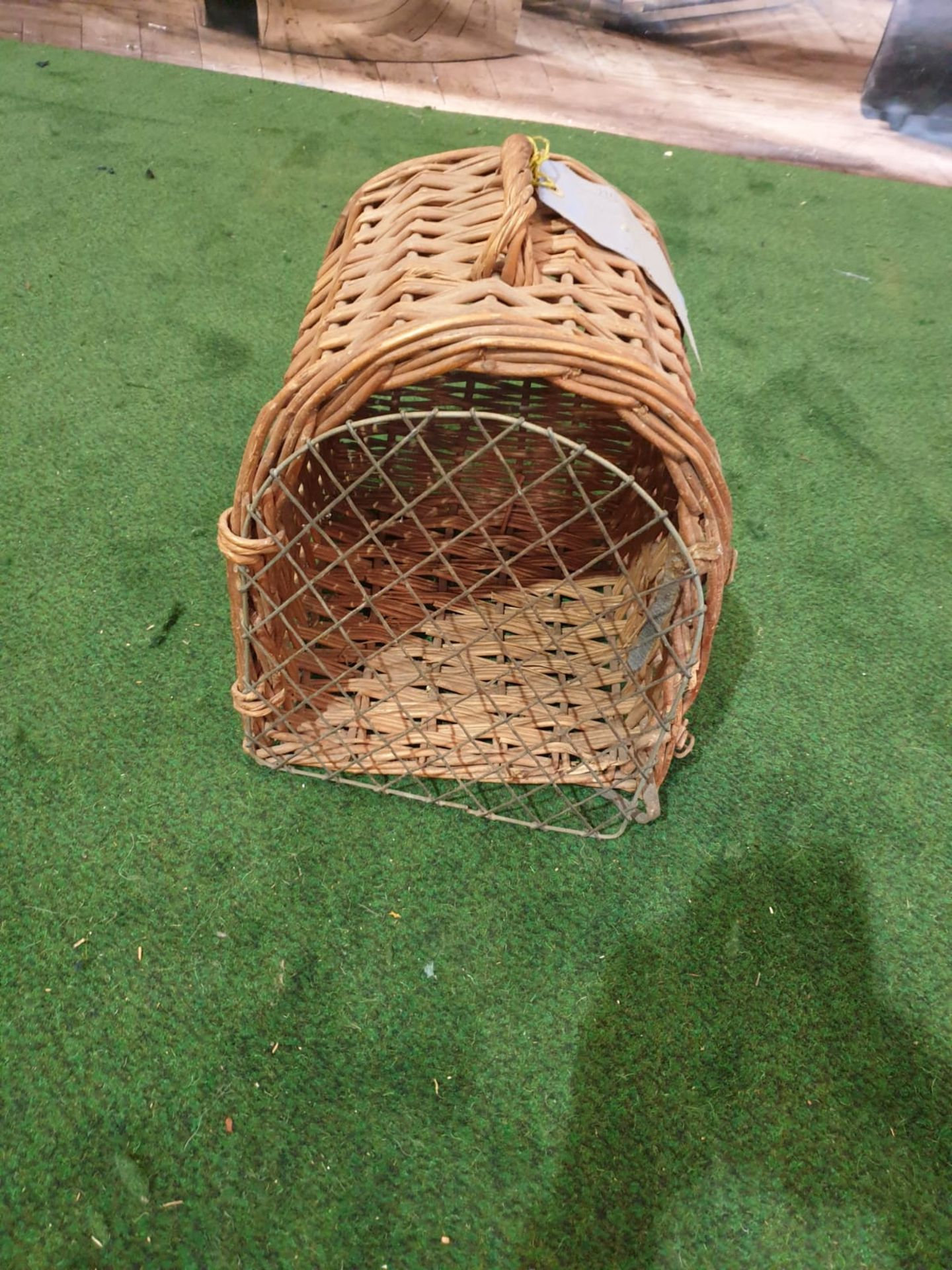 """A vintage wicker small pet carrier with paper tag stating """"Earl of Onslow"""" - Image 2 of 3"""