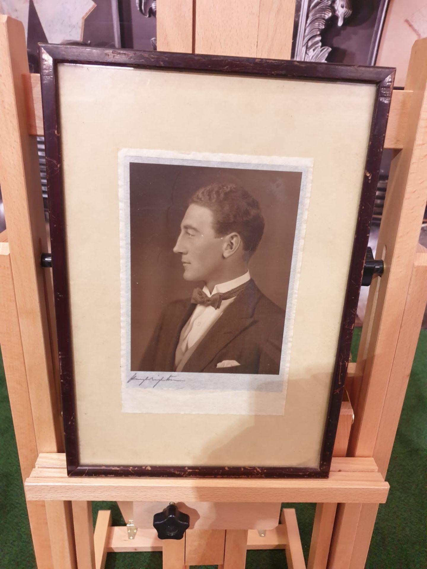 Aquatint print Portrait of well dressed gentleman 28 x 40cm