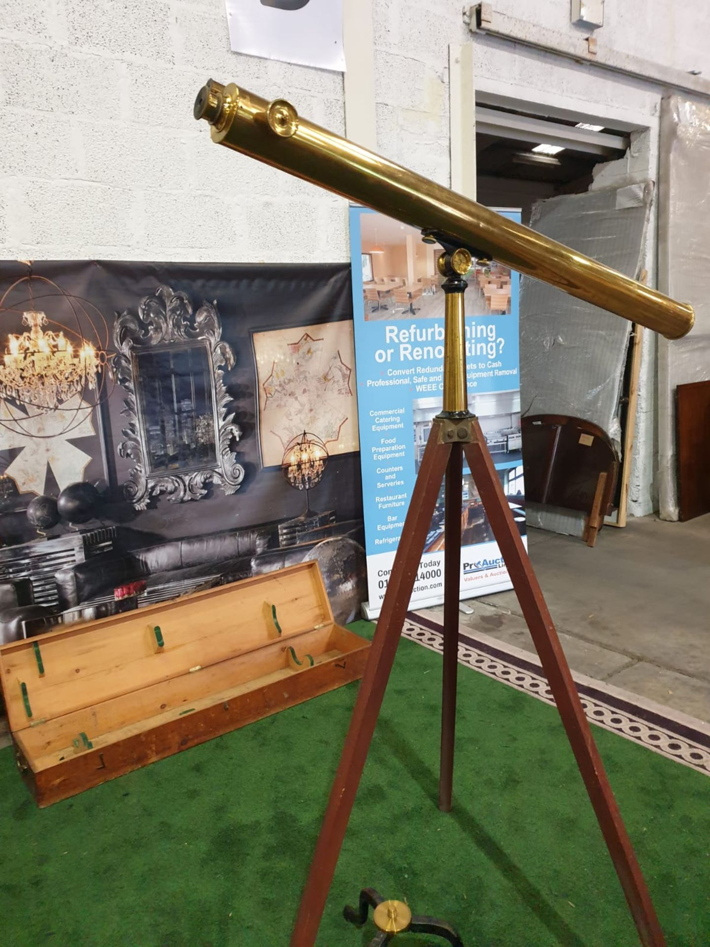 Lacquered brass and lens glass refractive single draw library telescope with star finder attachment, - Image 3 of 6