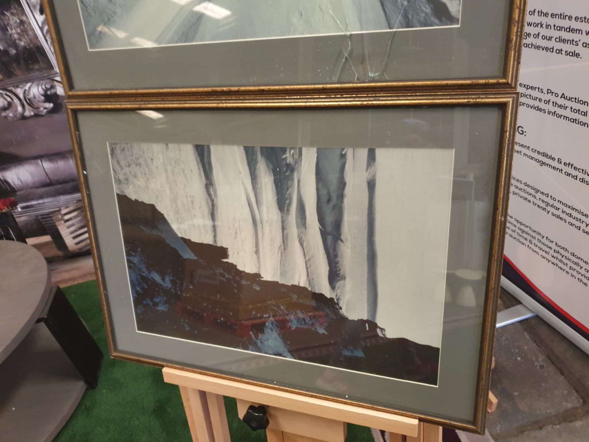 A set of 2 framed modern landscape picrures in frame 56 x 40cm - Image 4 of 5