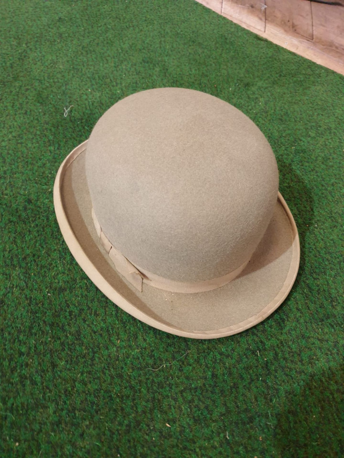 A grey bowler hat by Lock & Co London in Harmans card box - Image 3 of 5