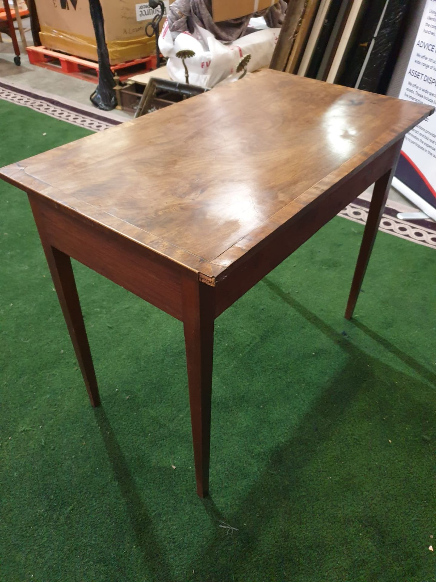A George III mahogany side table. Strung with boxwood and crossbanded, the oblong top above a pair - Image 3 of 4