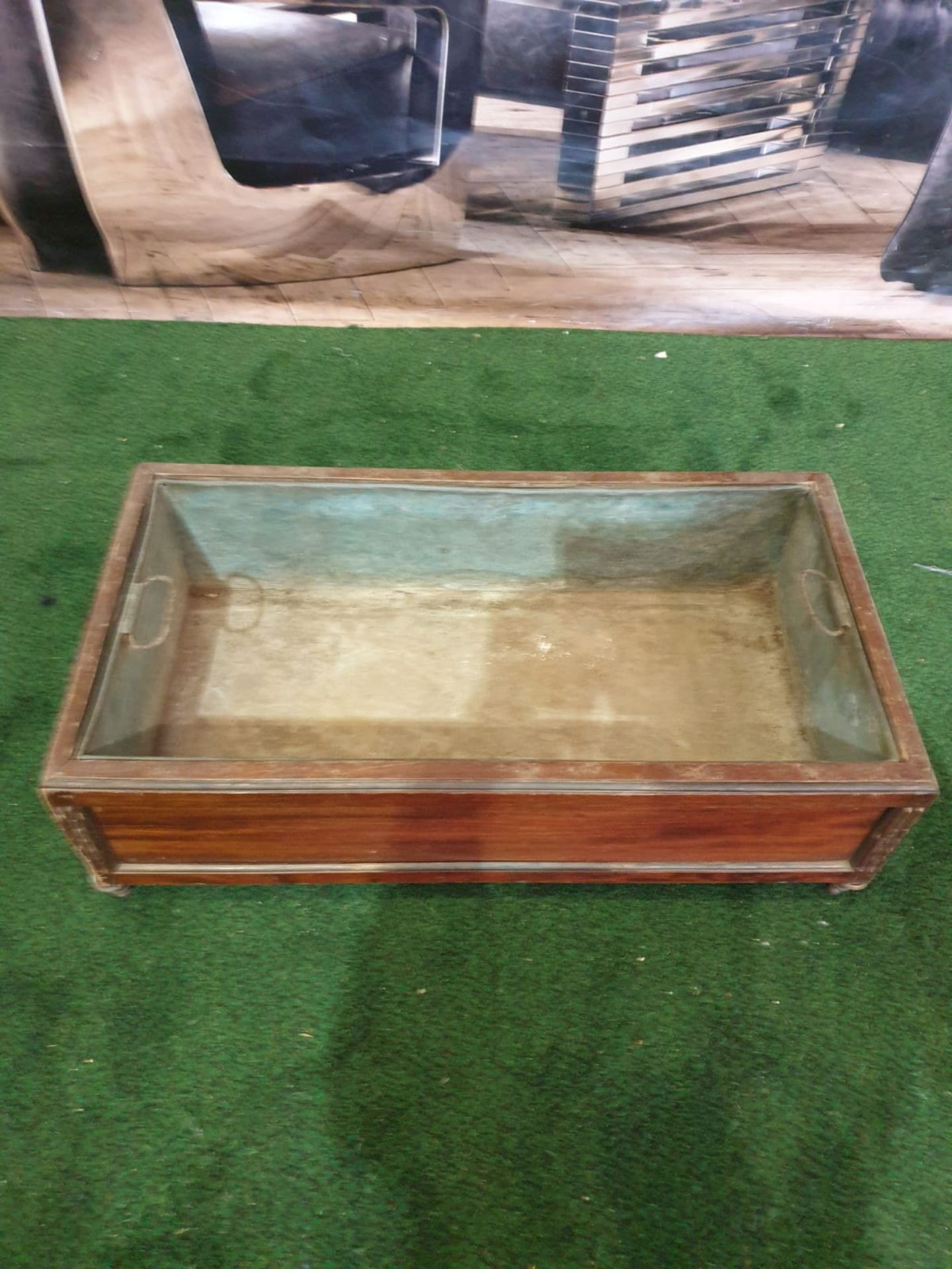 A Regency style Inlaid Mahogany Planter trough with original metal insert on shaped bun feet 65 x 35 - Image 3 of 4