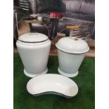 White enamel ware compirsing of a Bucket, pail and kidney bowl