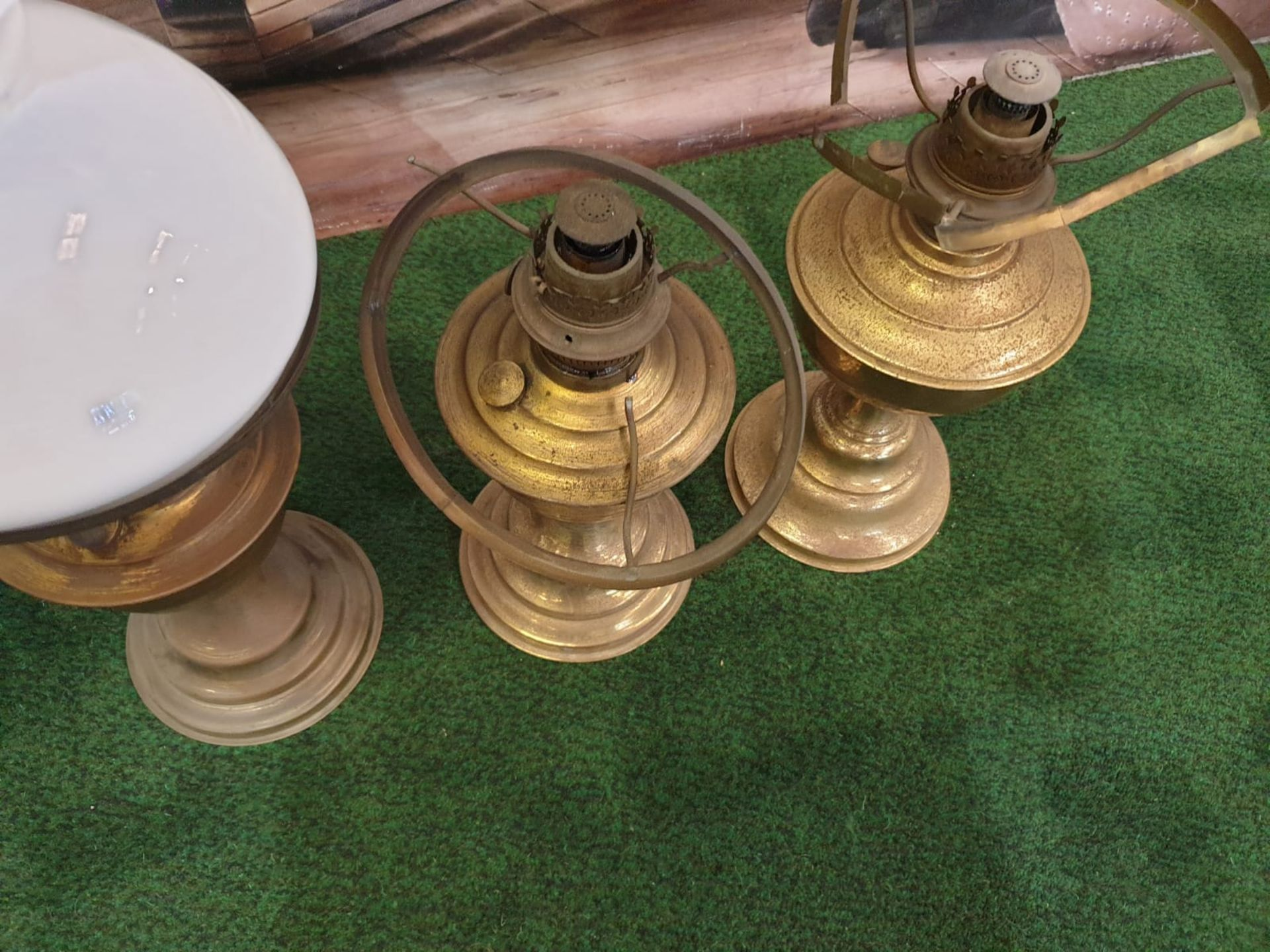 5 x Brass oil lamp with opaque white glass shade, late Victorian.c. Circa 1890. These oil lamp looks - Image 5 of 6