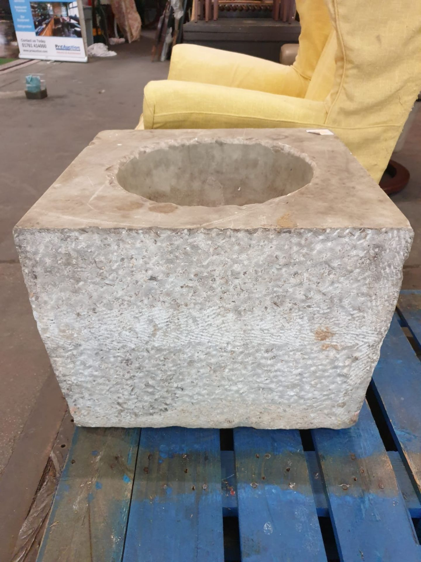 A marble square font with bowl scooped out 46 x 44 x 39cm - Image 3 of 3