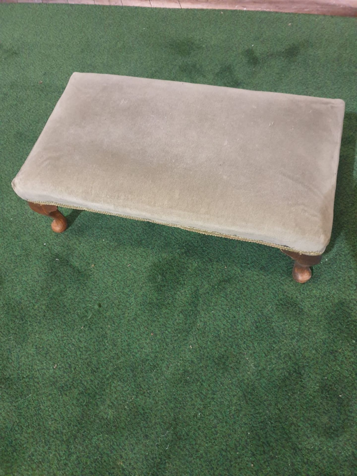 Georgian Mahogany Foot Stool raised on bold cabriole legs with Paw Feet the top upholstered in a - Image 2 of 2