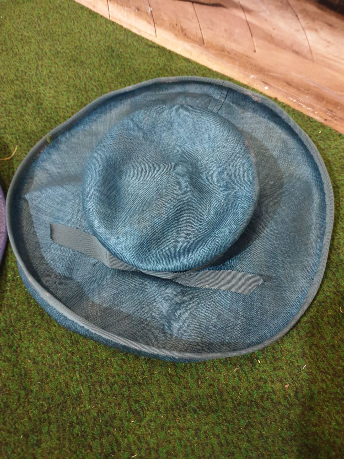 2 x Edith Poole from South Molton Street London Vintage Ladies Hats 1 x Navy Blue straw hat and 1 - Image 2 of 7