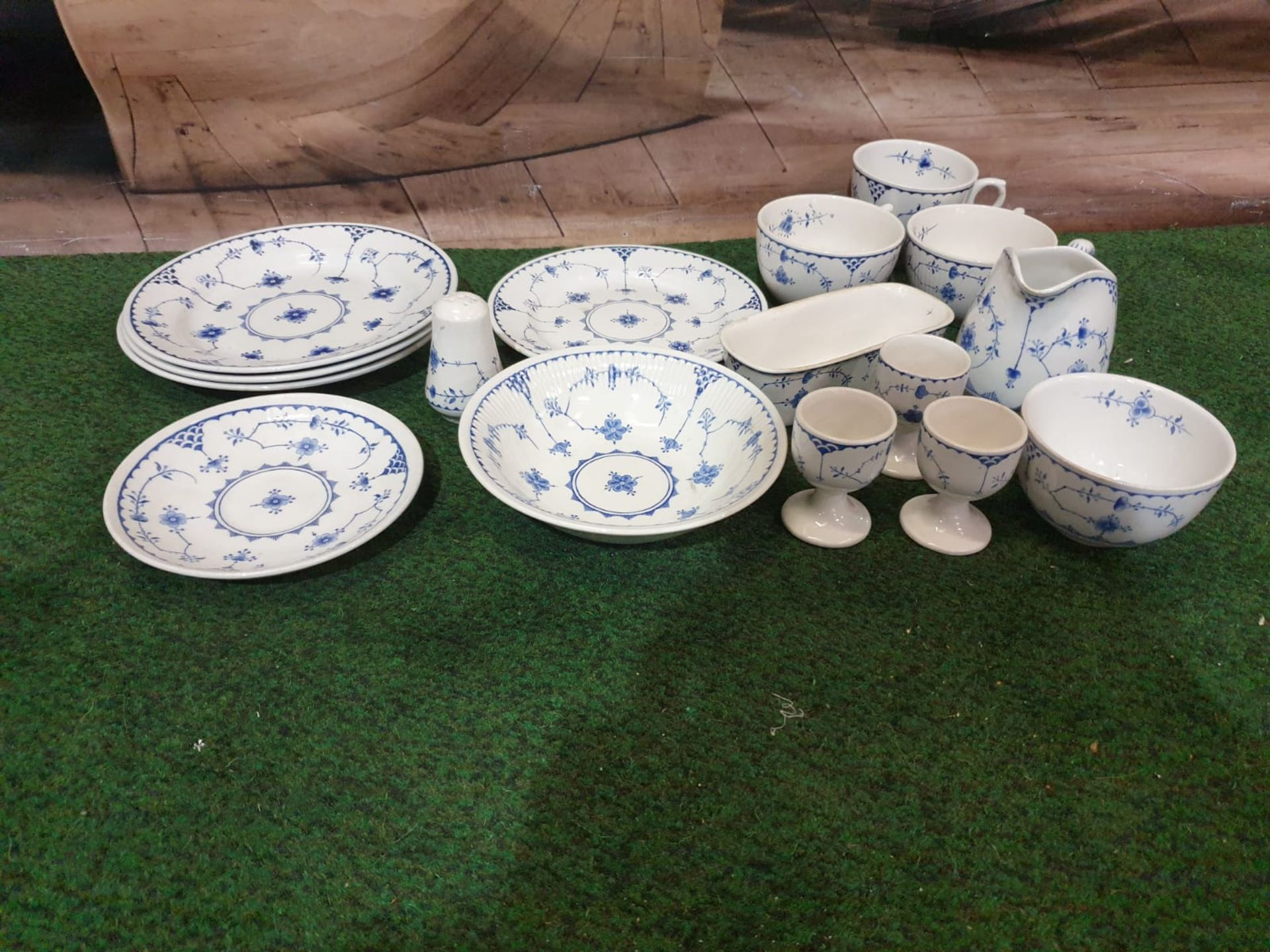 Furnivals Denmark – Blue partial tea service comprising of 3x plates 1x service plates 1x saucer - Image 3 of 3