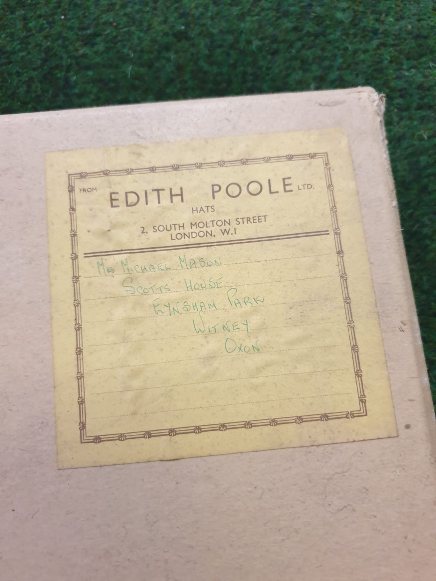 2 x Edith Poole from South Molton Street London Vintage Ladies Hats 1 x Navy Blue straw hat and 1 - Image 6 of 7