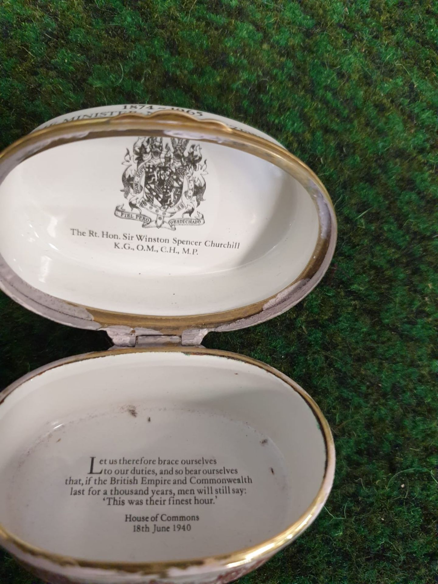 Halcyon Days Enamel Box Of oval form printed in sepia and black to commemorate Sir Winston - Image 4 of 4