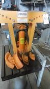 CENTRAL HYDRAULIC 12-TON PIPE BENDER