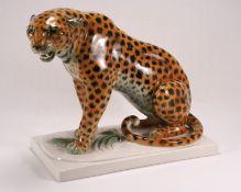 Sitzender Leopard