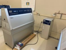 Q-Lab QUV/Spray Accelerated Weathering Tester