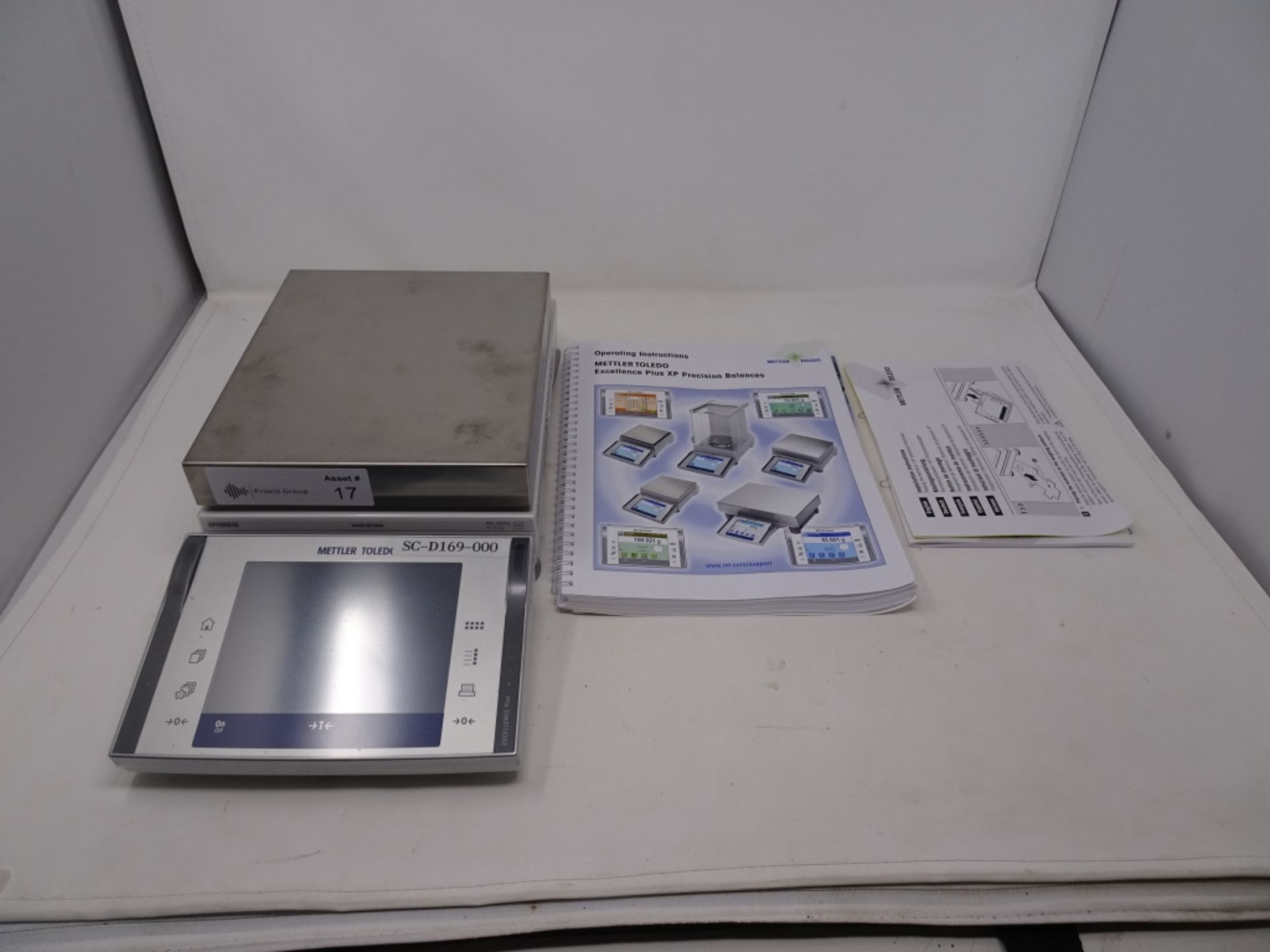 Mettler Toledo Model XP10001S 10,100G Max Capacity Lab Scale