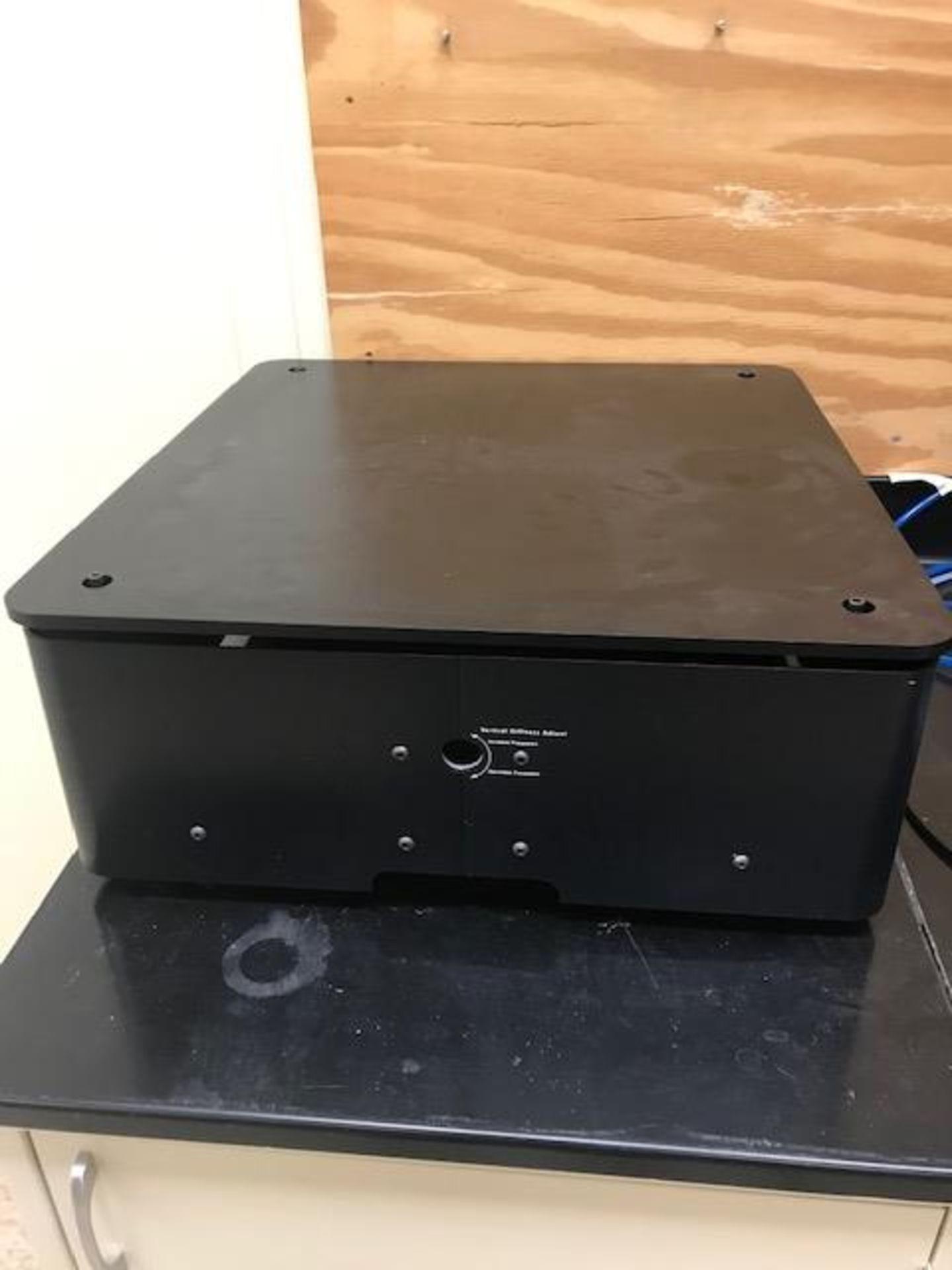 Vibration Minus K Technology Isolation Table - Image 2 of 5