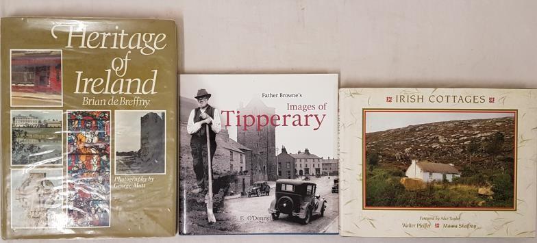 Irish Cottages, Maura Shaffrey/Walter Pfeiffer, Weidenfeld & Nicolson, 1990, First Edition, in D/