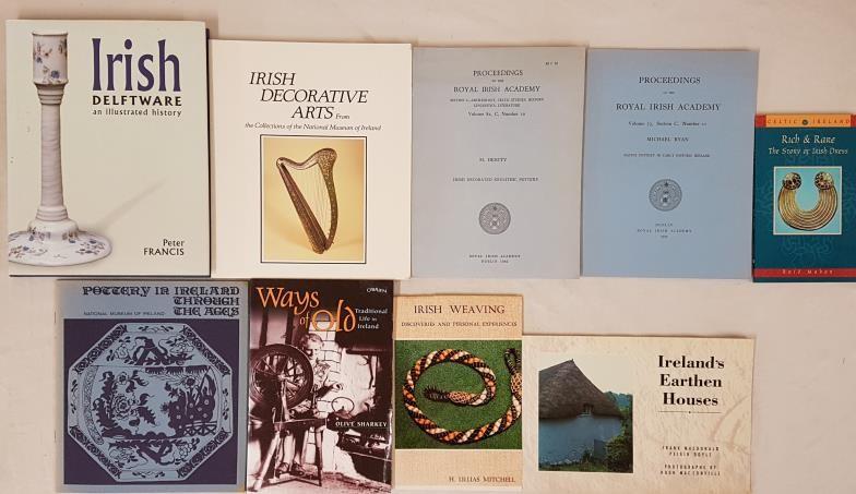 Peter Francis, Irish Delfware, L.2000, 4to dj mint. NMi, Irish Decorative Arts, 1990. Irish Weaving;