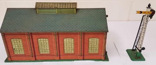 Hornby EngineShed and Signal
