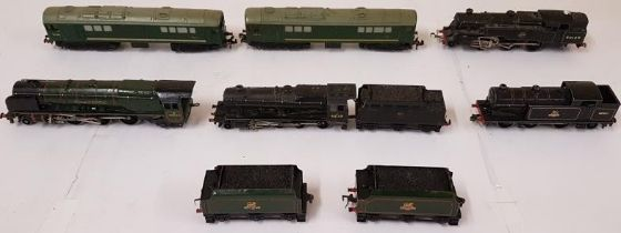 Collection of British Rail Locomotives and Carriages/Coaches (13)