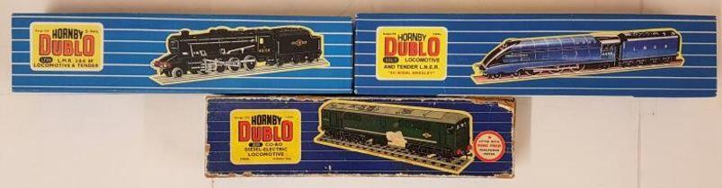 """Three Hornby Dublo 00 Gauge Model Locomotives - EDL 1 Loco & Tender L.N.E.R. """"Sir Nigel Gresley;"""