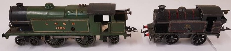 Hornby LNER 1784 O Gauge Locomotive and a Hornby O Gauge British Railways 82011 Type 40