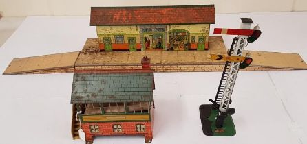 2No. Hornby Railway Station Houses and Signal