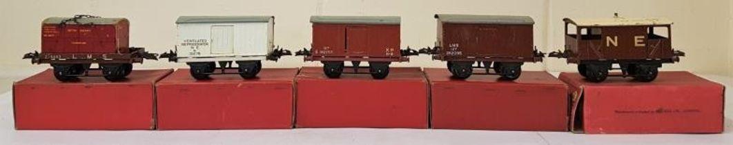 """Five Hornby """"0"""" Gauge Models - Flat Truck with Container; No.1 Refrigerator Van; No.1 Goods Van;"""