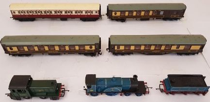 Hornby Dublo 3 Car Super Detail Pullman Suit Barnstaple and a Triang Caledonian Single and Coach