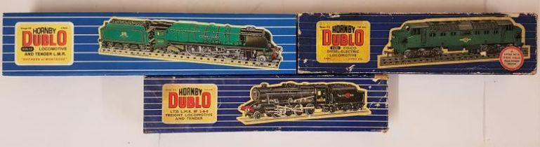 Three Hornby Dublo 00 Gauge Model Locomotives - LT25 L.M.R. 8F 2-8-0 Freight Loco & Tender; EDL12