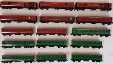 Collection of 15 Hornby Carriages to include Royal Mail, Guard etc.