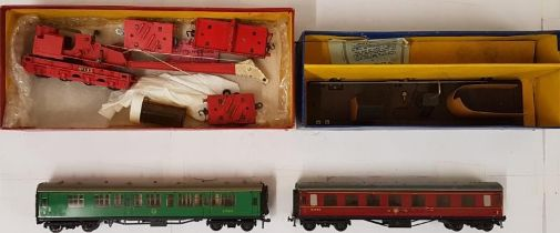 Collection of Four Hornby Dublo OO Gauge Items - T.P.O. Mail Van Set 2 Rail without carriage;