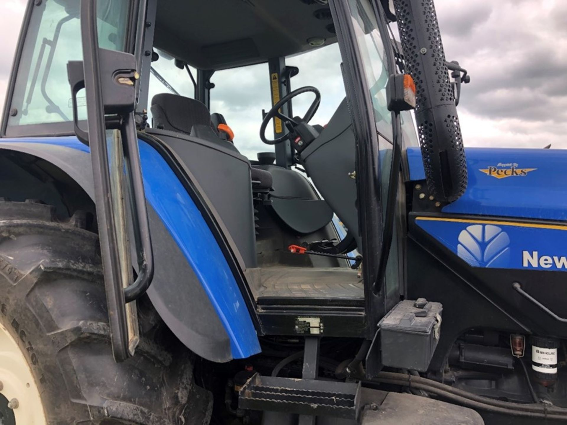 (07) New Holland TM 155 - Image 2 of 10